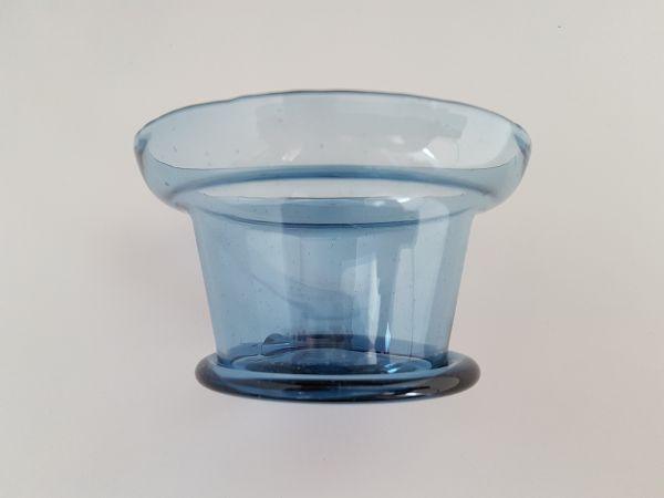 Blaue Trinkschale 1. - 2. Jahrhundert